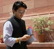 Jyotiraditya Scindia spent the most in run-up to second round of polling in Madhya Pradesh