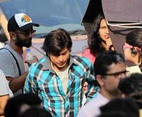 Shah Rukh Khan Says he is not Playing a 17-year-old in Fan