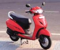 Honda pips Hero on Dhanteras