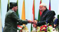 SAARC leaders to push Sharif to sign 3 key pacts