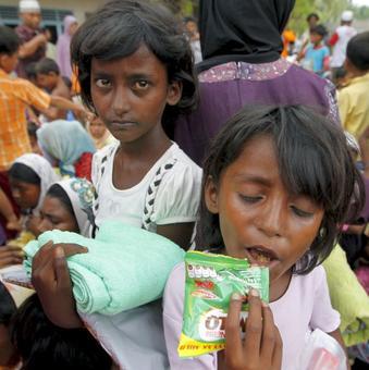 Bangladesh FM meets Suu Kyi, likely to sign MoU on Rohingya repatriation