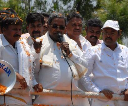 Caste equations forced Siddaramaiah to opt for 2nd seat, say experts