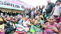No reprieve for Jayalalithaa as HC defers hearing to Oct 6