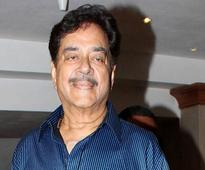 Aamir Khan has no reason to be insecure: Shatrughan ...