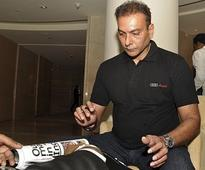 Biggest load of bull**** I've been hearing: Shastri on Dhoni