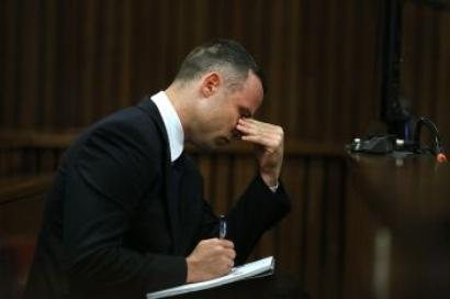 Tired, confused Pistorius spends 1st night in a single cell in jail