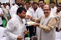 Akhilesh Yadav Sacks Shivpal, Mulayam Camp Sacks Ram Gopal