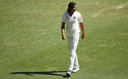 No veg food! Angry Ishant storms out of Gabba at lunch on Day 3