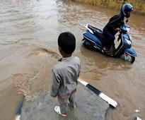 Heavy rains crippled movement of traffic in Delhi