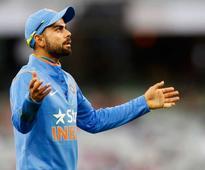 Virat Kohli Abuses Scribe Over Story on Anushka, Team India Plays it Down