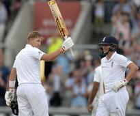 England vs Pakistan Day 2, Second Test Highlights: Chris Woakes Triple-Strike Dents Pakistan