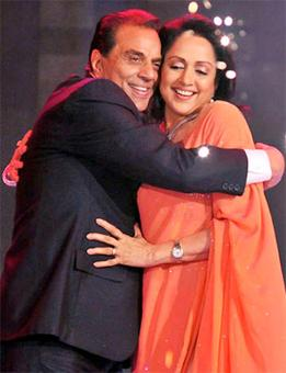 Hema Malini: Dharamji may have shoulder surgery