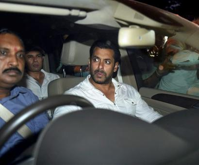 Salman leaves court after getting bail
