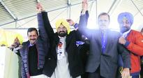 AAP to end Badal-Captain friendly match: Kejriwal