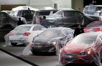 U.S. April auto sales on pace for monthly record; fear sales peaking