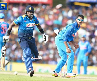 1st ODI: Sri Lanka collapse to 216 all out after good start