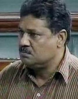 Nitish snubbed me twice in review meet: Kirti Azad