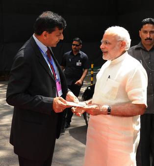 Rajan favours removing RBI Guv's veto power on deciding rates