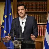 Greek debt referendum: 'Yes' and 'No' camp rub shoulders in pre-vote surveys