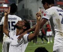 Indian Super League Live: Dhoni's Chennaiyin FC Take Early 1-0 Lead Over Sachin's Kerala Blasters