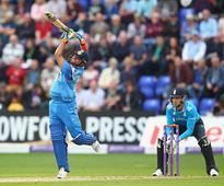 England vs India, 2nd ODI: Raina ton powers India to 304/6