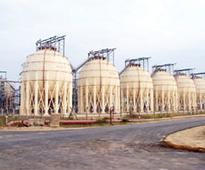 4 die inside tank at gas cracker site