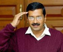 Delhi elections 2015: Drone showers flowers on Arvind Kejriwal at rally