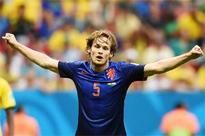 Ajax's Daley Blind set to join Manchester United