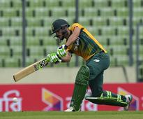 Du Plessis sets an example with hard graft