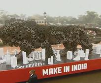Make in India to Woman power: Obama presides over Military, cultural display