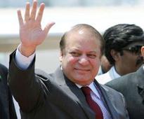 Pakistani PM Nawaz Sharif's convoy escapes attack