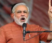 Narendra Modi attacks AAP, Arvind Kejriwal during Delhi show