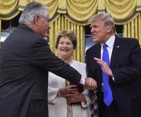 The 'awkward' handshakes of Donald Trump