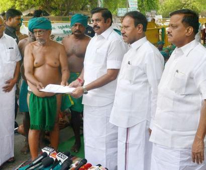 Tamil Nadu farmers call-off strike after CM's assurance