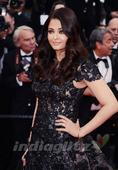 Aishwarya Back With A Bang At Cannes!
