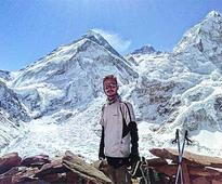 Youth on Everest expedition missing