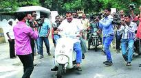 Fadnavis, Gadkari pay separate visits to RSS chief