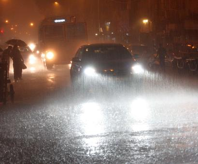 Mumbai caught unawares by rains, thunderstorm