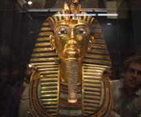 Egypt museum admits King Tut's beard broke off and was glued back
