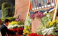 Images: Manmohan, Sushma and Sachin pay tribute to martyrs of Parl attack