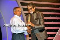 Amitabh Bachchan honours Sullia's Girish Bharadwaj at CNN-IBN awards