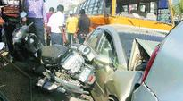 Three killed, 2 injured in Surat road accident