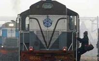 30 Trains to Delhi Delayed Due to Fog