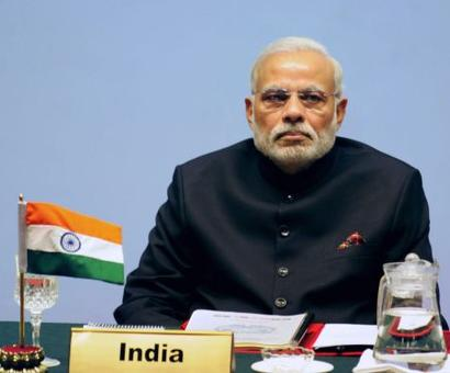 Modi, Sharif completely ignore each other at SAARC