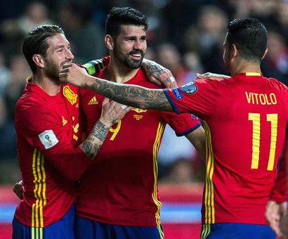 Football PHOTOS: Spain, Italy register easy wins
